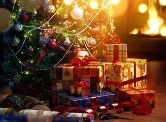 hvem har skrevet juletræet med sin pynt