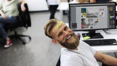 sjovere med jokes på arbejdspladsen